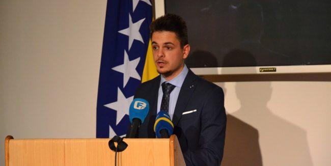 Mostarski studeni uz Dodika i Čovića - Oni što se kunu u državnost BiH istovremeno žele da ona bude protektorat u kojem 50% stanovništva nije ravnopravno IMG-20190516-WA0006-e1558022677604