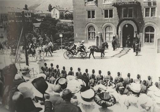Car – Franjo Josip dolazak ispred hotel Neretve 1910